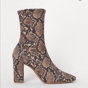 ❤ H&M Sock Boots - Beige/snakeskin-patterned   